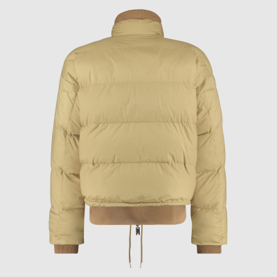 Wide-fit reversible bomber